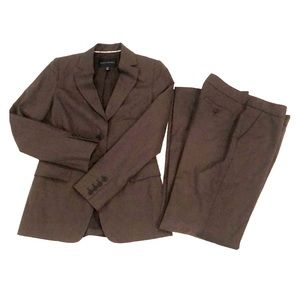 Banana Republic Brown suit 2/4